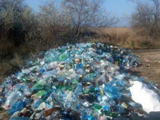 Кинбурн, мусор, пластик