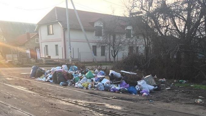 Николаев, трамвай, остановка, мусор