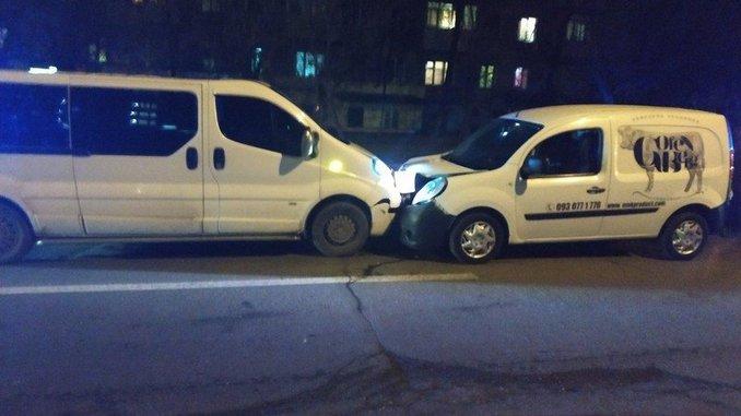 Николаев, ДТП, полиция, Trafic, Kangoo, Renault