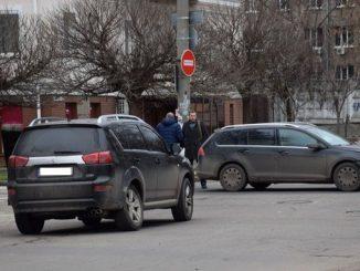 Николаев, Спасская, полиция, ДТП, Пежо, Фольксваген