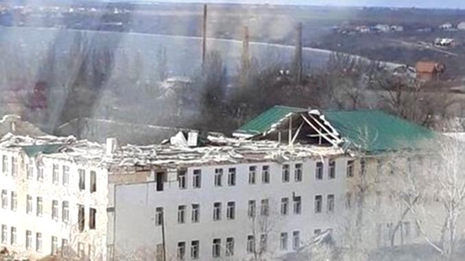 Циклон в Николаеве, ветер в Николаеве, погода в Николаеве, крыша казармы