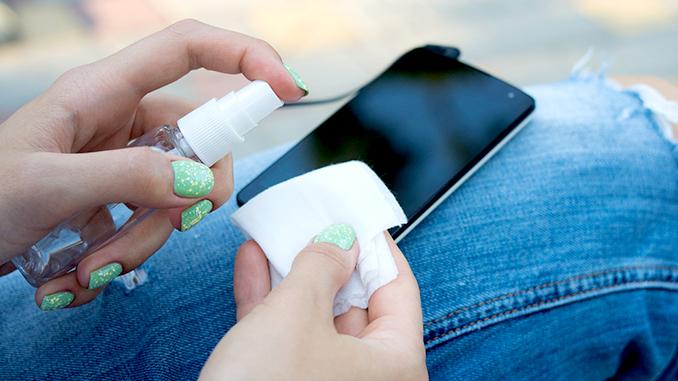Смартфон, дезинфекция, профилактика коронавируса, как не заразиться коронавирусом