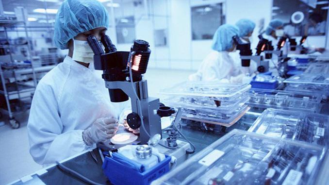 Тесты на коронавирус, лаборатория, исследования, вакцина от коронавируса, позитивные новости