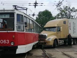 фура, трамвай, ДТП, Николаев, новости, происшествия, Сенная, Пушкинская,