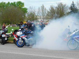 байкеры, мотоцикл, дорога
