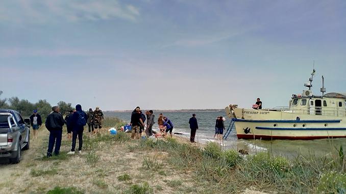 Кинбурнская коса, Николаев, море, пляж, корабль, экологи, мусор, акция