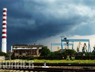 Погода в Николаеве, дождь, гроза, лето, Черноморский судостроительный завод (с) Фото - Александр Сайковский