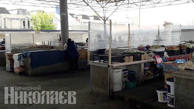 Рынок, продавец, маска, рынки в Николаеве, карантин, торговля