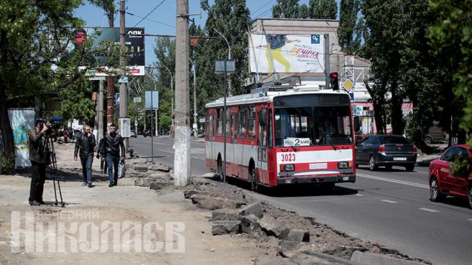 Николаев, улица, дорога, общественный транспорт, троллейбус (с) Александр Сайковский, ВН