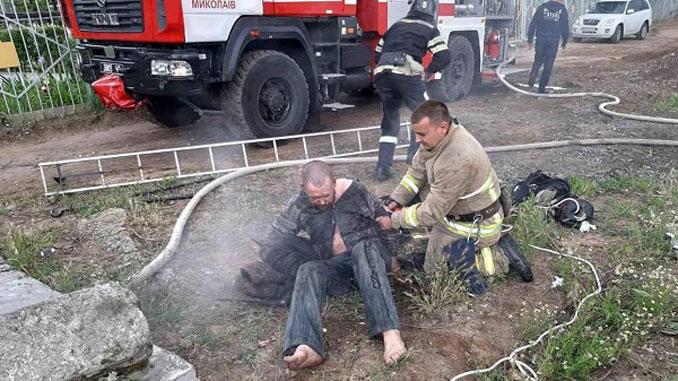 бездомный устроил пожар, новости, происшествия, ГСЧС, Корабельный район, пожар, коллектор, теплотрасса,