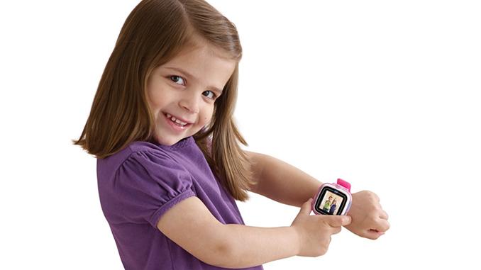 Ребенок, гаджеты, смарт-часы, часы эпл