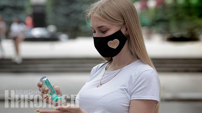 Карантин в Николаеве, защитная маска, коронавирус, антисептик (с) Фото - Александр Сайковский, ВН