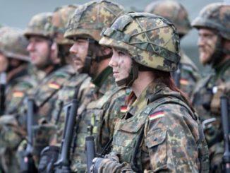 В Германии, армия, призыв, бундесвер, Германия, новости, Берлин, Гегль, Бартш, Линднер, Бундестаг