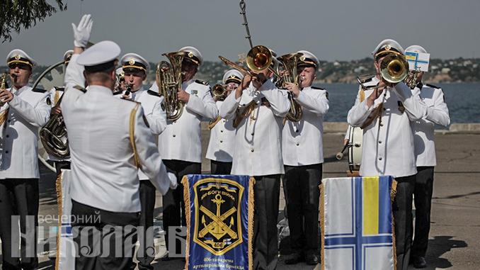 Военно-морской оркестр, День ВМС в Николаеве, яхт-клуб (с) Фото - Александр Сайковский, ВН
