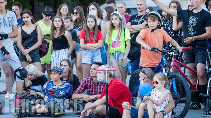 Международный день молодежи, Николаев, соборная площадь, молодежь, фестиваль, экстрим (с) Фото - Александр Сайковский, ВН