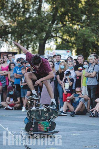 Международный день молодежи, Николаев, соборная площадь, молодежь, фестиваль, экстрим, скейтборд, скейтер (с) Фото - Александр Сайковский, ВН