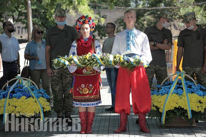 Патриоты, Украина, вышиванка,флаг Украины, День независимости Украины, День государственного флага (с) Фото - Александр Сайковский