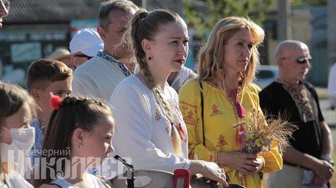 Марш вышиванок в Николаеве, День независимости Украины (с) Фото - Александр Сайковский, ВН