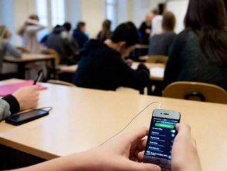 запретить пользоваться смартфонами, новости, закон, ВР, парламент, Верховна Рада, Украина, смартфоны, школы, дети, уроки, новости, законопроект