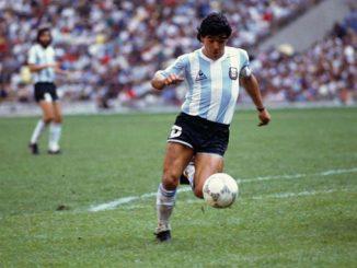Диего Марадона, рука бога, футбол, легенда, спорт, тренер, футболист, Барселона, Наполи, Аргентина, гол столетия