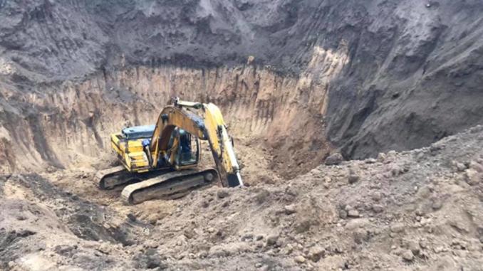 Скобелево, Казанковский район, Николаевская область, черные археологи уничтожают скифский курган