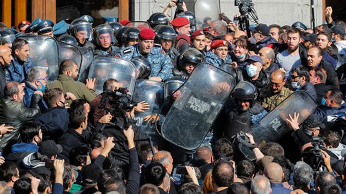 Протесты в Армении, Ереван, Нагорный Карабах
