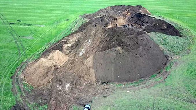 Скифский курган, убытки ,черные археологи ,новости, Александр Смирнов, археология, наука ,раскопки,