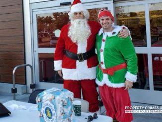 Полицейские в США нарядились в костюмы Санта Клауса и эльфа, чтобы выслеживать воров