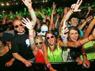 Рейв вечеринка, молодежь, концерт, дискотека