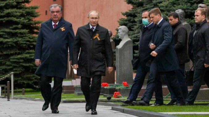 Владимир Путин, Эмомали Рахмон, парад в Москве