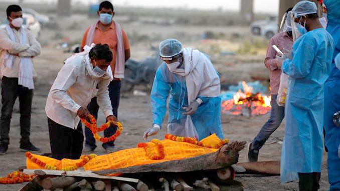 Коронавирус в Индии, Индия, умершие от коронавируса, Ганг, погребение