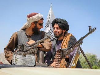 """""""Талибан"""", новости, СМИ, эвакуация, аэропорт, Кабул, война, Афганистан, радикалы, ислам, терроризм, Великобритания,"""