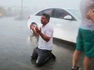 В Анталии пошел дождь, лесные пожары, Турция