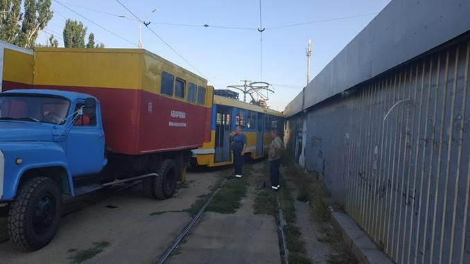 """Трамвай сошел с рельс в районе рынка """"Колос"""", новости Николаева, происшестви"""