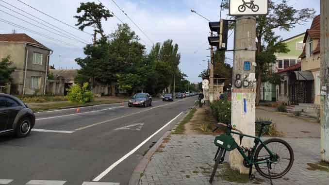 первая велодорожка, Николаев ,горсовет, разметка, проблемы, велоактивисты, Велорух,