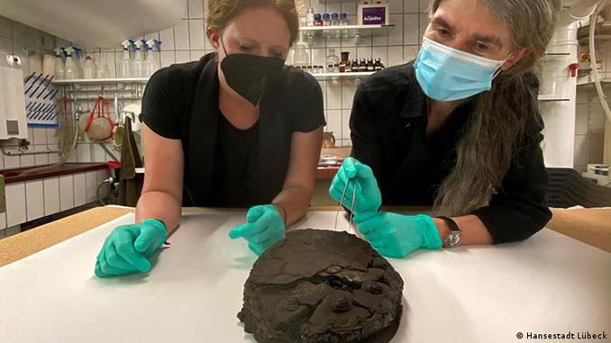 В Любеке нашли ореховый торт, уцелевший после бомбардировки 1942 года