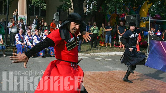 Шоу-балет ASSA DANCE, Фестиваль Pepperfest в Терновке (с) Фото - А. Рубанская, Вечерний Николаев